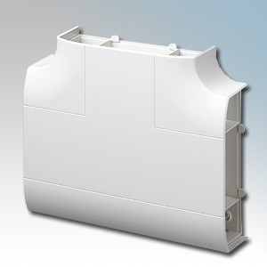 MK Electric VP197WHI Prestige 3D White 3 Compartment Skirting Trunking 90° Flat Tee With Cover & Carrier 170mm x 57mm