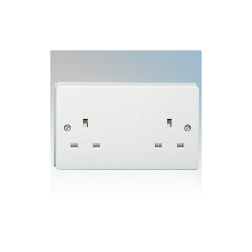 Crabtree 7257 Capital White Moulded 2 Gang Unswitched Socket 13A